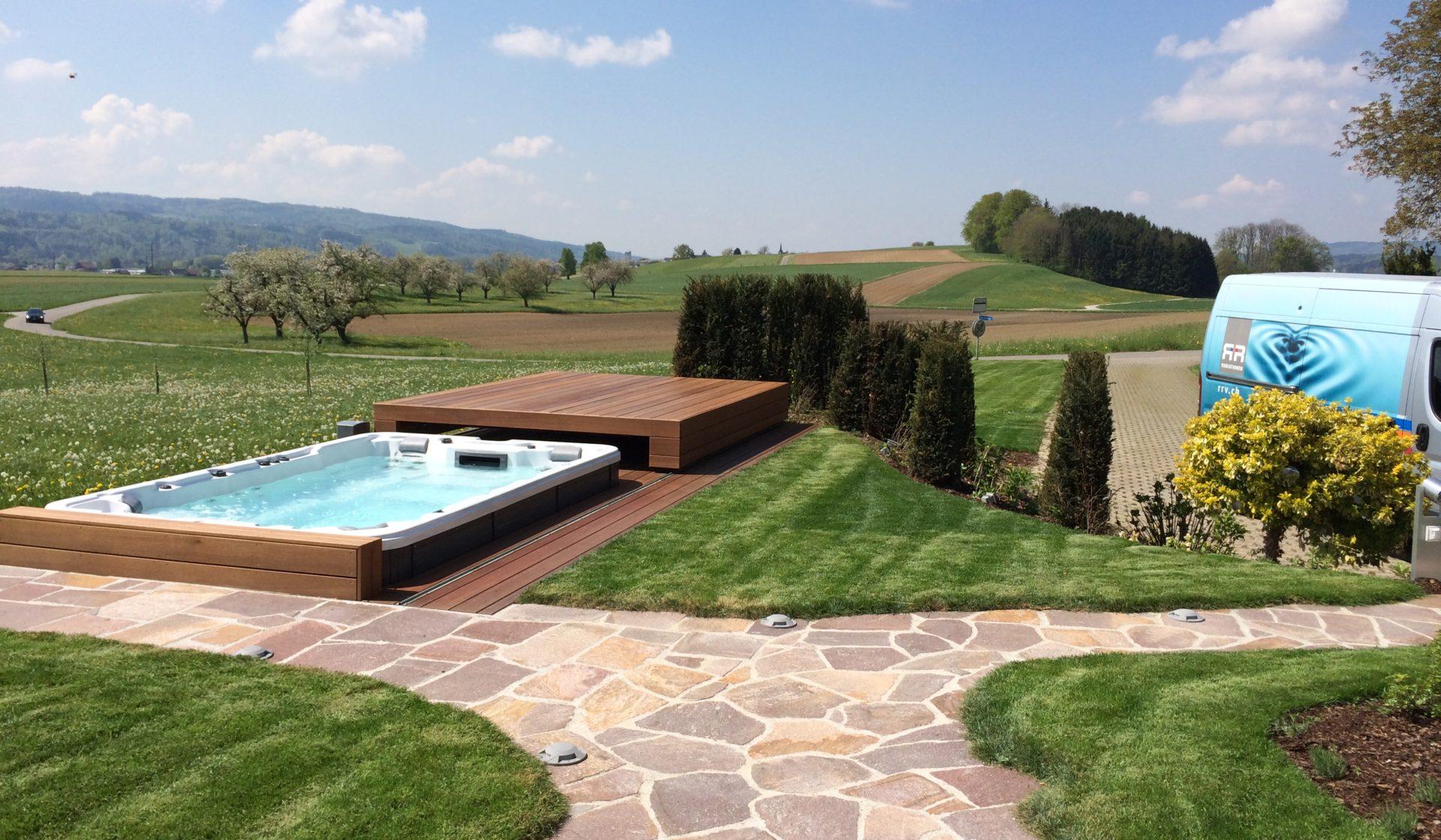Rolldeck Schwimmspa und Pool