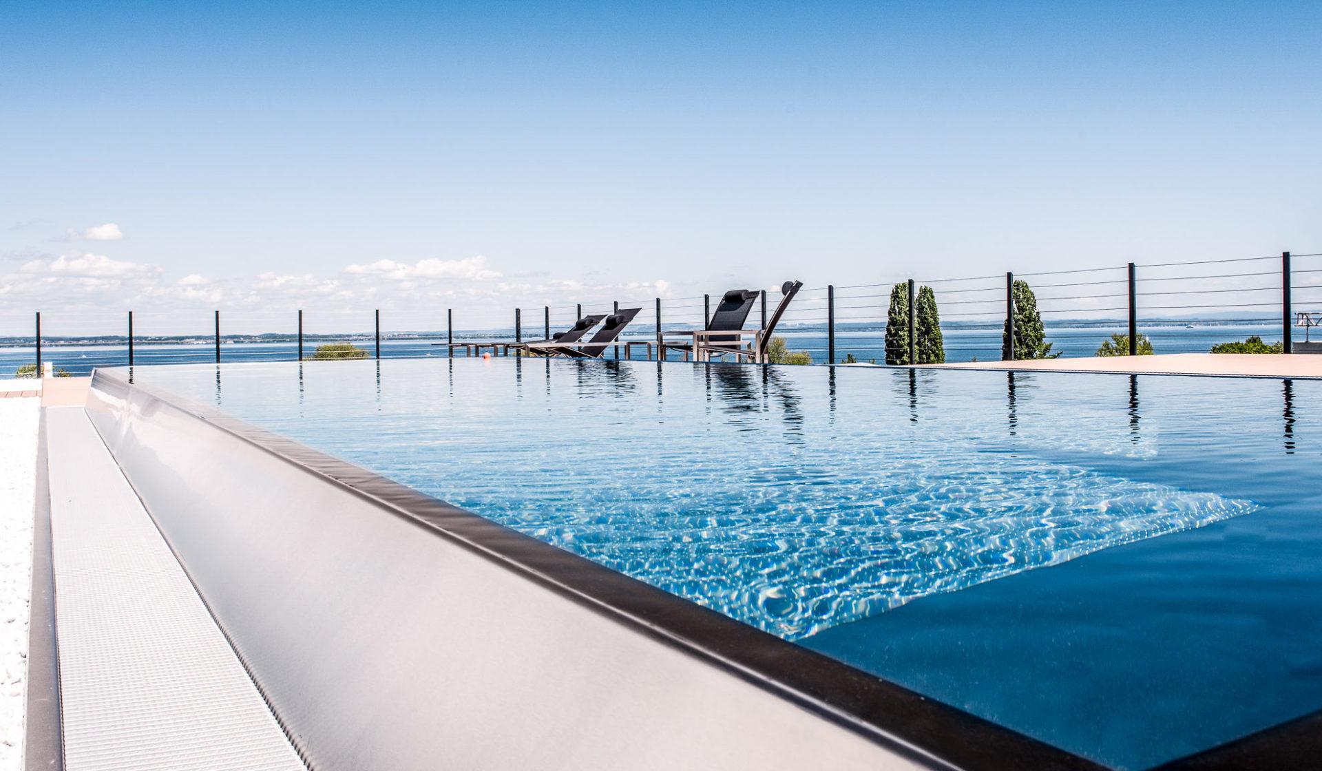 Swimmingpool Chromstahl infiniti überlauf