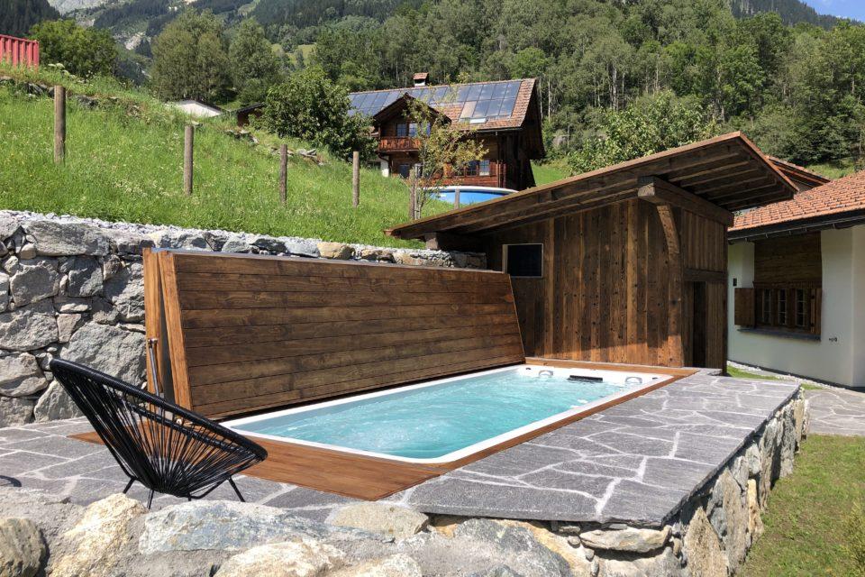 Pool Shwimmspa eingebaut mit Klappdeck automatisch begehbar von RRV